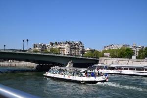 Masa tour ni akan lalu bawah jambatan... banyak gak jambatan
